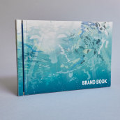 Brandbook Decathlon. A Design, Illustration, Photograph, Art Direction, Br, ing & Identit project by Oze Tajada - 05.22.2016