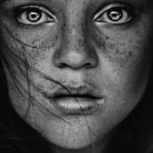 Haunted. Un proyecto de Fotografía de Cristina Otero - 29.12.2017