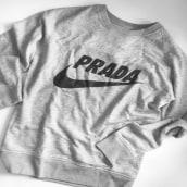 Sweatshirt. Un proyecto de Diseño, Diseño de moda y Serigrafía de Àngel Soriano - 07.06.2018