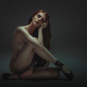 Trabajos realizados en el curso de fotografía de desnudo artístico. Um projeto de Fotografia e Retoque fotográfico de Rebeca Saray - 03.10.2018
