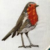 Mi Proyecto del curso: Pintar con hilo: técnicas de ilustración textil, Aquí esta mi petirrojo listo para volar. Un proyecto de Ilustración textil de Alberto Ochoa Gonzalez - 08.04.2019