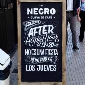 Pizarras - Negro, cueva de café . A Br, ing, Identit, Calligraph, and Lettering project by Ximena Jiménez - 05.07.2019