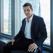 Mario Casas - Forbes España. Un proyecto de Fotografía, Fotografía de retrato, Iluminación fotográfica y Fotografía digital de Oscar Arribas - 01.05.2019