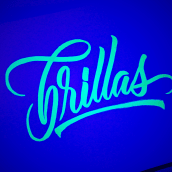 Brush pen | Fluorescencia. A Calligraph, and Design project by Ana Hernández - 07.01.2019
