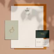 Vera Cocina Vegana. Un proyecto de Diseño editorial, Diseño gráfico y Diseño de logotipos de Nadia Elizabeth Moreno Romo - 30.01.2020