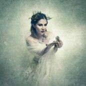Vestido Blanco. A Portrait photograph, and Fine-art photograph project by Eduardo Gómez (Alter Imago) - 02.10.2020