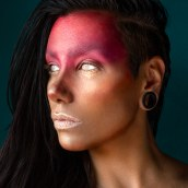 Makeup y autorretrato. A Photograph, Fashion, Photo retouching, Creativit, Fashion photograph, Portrait photograph, and Digital photograph project by Soledad García Barroso - 03.25.2020