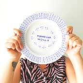 Platos con historias.. Un projet de Conception de produits et Illustration de Ángela Alcalá Alcalde - 11.05.2019