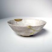 Kintsugi con oro en relieve. Un projet de Céramique de Clara Graziolino - 06.06.2020