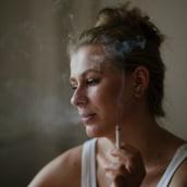 NO ES NORMAL SABER NADAR. Um projeto de Fotografia, Fotografia de retrato e Fotografia artística de Tanit Plana - 14.06.2020