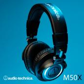 Audio Technica ATH M50X. Um projeto de Fotografia, Design gráfico, Fotografia do produto e Fotografia de estúdio de Andrés Felipe Téllez - 21.06.2020