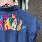 The Stitch Revolution course —Nature on a jacket. Un projet de Design , St, lisme, Broderie et Illustration textile de Yana Strunina - 19.07.2020