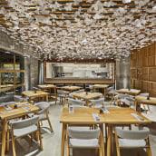 Nozomi Sushi Bar. A Interior Architecture, Interior Design, Decoration & Interior Decoration project by Masquespacio - 12.05.2016