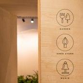 Cuarto creciente Montessori School. A Br, ing, Identit, Graphic Design, Pattern Design, and Signage Design project by Raquel Marín Álvarez - 11.18.2020