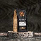 Peacocks Coffee Roasters. Um projeto de 3D, Br, ing e Identidade, Design gráfico e Packaging de Rafael Maia - 08.01.2021