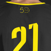 Diseño equipación 50 aniversario. Um projeto de Design de vestuário, Design gráfico, Design de logotipo e Desenho tipográfico de Magimo Studio - 08.02.2021