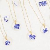 Trencadís • Joyería en resina acrílica y cerámica . Un projet de Artisanat, Design de bijoux, Conception de produits , et Céramique de Flo Corretti (Tarareo) - 21.02.2021