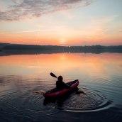 Gumotex Kayak / Commercial shooting. A Werbefotografie, Lifest und le-Fotografie project by Julia Nimke - 18.03.2021