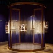 Boghossian jewellery display. Un progetto di Design, Installazioni, 3D, Architettura, Artigianato, Consulenza creativa, Architettura d'interni, Interior Design, Design di gioielli , e Creatività di BRIK chocolate - 03.05.2021
