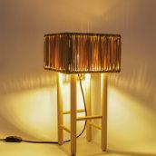 Lámpara Boga - Luminaria artesanal inspirada en la silla de enea. Un proyecto de Diseño, Artesanía, Diseño industrial, Diseño de iluminación y Diseño de producto de VO Estudi - 03.03.2021
