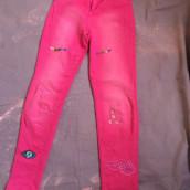 Mi Proyecto del curso: Bordado: reparación de prendas. Un proyecto de Moda, Bordado, Costura, DIY, Upc y cling de Angeles Olivares - 15.05.2021