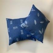 Hand Printed Pillows. A Design, H, werk und Musterdesign project by Jeanne McGee - 04.06.2021