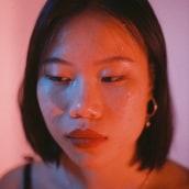 Retratos con luz artificial. Un proyecto de Fotografía de retrato, Iluminación fotográfica y Fotografía analógica de Ángela Abad - 12.06.2021