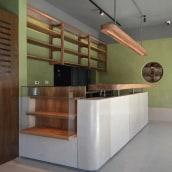 Barra Prana. Un progetto di Architettura d'interni , e Design di mobili di EN·CONCRETO - 15.06.2021