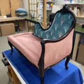Traditional Upholstery- Chaise Lounge. A Möbeldesign, Schrift, Kreativität, Nähen, Innenarchitektur und Tischlerei project by Lisa Purchase - 28.06.2021