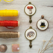 My project in Miniature Needlework: Make Embroidered Jewelry course. A Jewelr, Design, Embroider, and Textile illustration project by Yulia Sherbak - 07.23.2021
