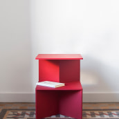 Small Red Table. A Design und Möbeldesign project by Goula / Figuera - 03.08.2021