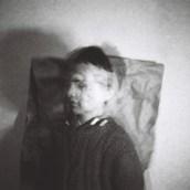 Mi Proyecto del curso: Retrato fotográfico analógico: crea atmósferas únicas. A Photograph, Portrait photograph, Photographic Lighting, Outdoor Photograph, Analog photograph, and Self-Portrait Photograph project by M. Sailer - 08.13.2021