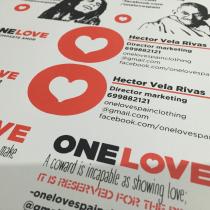 Serigrafía de papel y textil ONELOVE. Un proyecto de Diseño, Publicidad, Br, ing e Identidad y Serigrafía de Héctor Vela Rivas - 26.08.2016