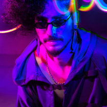 Cyberpunk. A Photo retouching, Portrait photograph, and Photographic Lighting project by Lautaro Robin - 04.11.2019