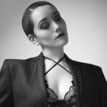 Mi Proyecto del curso: Dirección de modelos para fotografía. A Photograph, and Fashion photograph project by Mario Arvizu - 04.18.2020