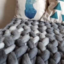 Mi Proyecto del curso: Introducción al arm knitting y teñido de lana. Un proyecto de Tejido de m.gonzalezlorca - 06.06.2020