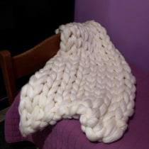 Mi Proyecto del curso: Introducción al arm knitting y teñido de lana. Un proyecto de Tejido de Viviana Bruno - 10.06.2020