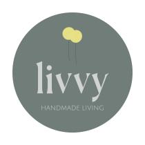 Livvy Handmade - Personalizacion de typografia para la creacion de una marca personal. Um projeto de Ilustração, Br, ing e Identidade e Design gráfico de Ester Gomez - 11.08.2020