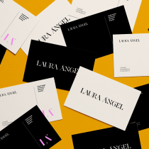 Personalización de tipografía para logo personal. Un proyecto de Dirección de arte, Br, ing e Identidad, Diseño gráfico, Tipografía, Diseño de logotipos y Diseño tipográfico de Laura Ángel - 07.09.2020