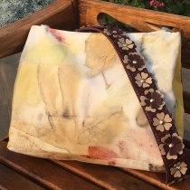 Meu projeto do curso: Impressão botânica em tecido . Un proyecto de Teñido Textil de Ariadne Carone Dos Santos - 21.10.2020