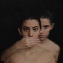Self-love VS  Self-destruction. Um projeto de Fotografia artística de Luzia Saraiva - 06.12.2020