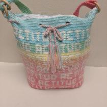 My project in Introduction to Tapestry course. Un proyecto de Artesanía, Moda y Crochet de Amanda Elyse - 20.01.2021