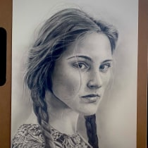 My project in Realistic Portrait with Graphite Pencil course. A Sketching, Pencil drawing, Drawing, Portrait Drawing, and Realistic drawing project by Colette Reed - 02.21.2021