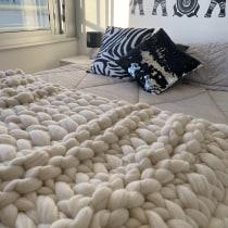 Mi Proyecto del curso: Introducción al arm knitting y teñido de lana. Un proyecto de Tejido de verogimenez.design - 03.04.2021
