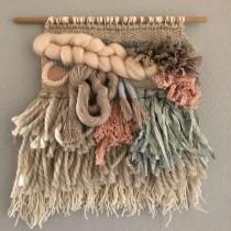 My project in Hand Weaving Techniques for Beginners  Course. A H, werk, Dekoration von Innenräumen und Weben project by Erin Jones - 23.06.2021