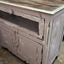 Mi Proyecto del curso: Restauración y transformación de muebles para principiantes. Un proyecto de Artesanía, Diseño de muebles, Diseño de interiores, DIY, Carpintería, Upc y cling de Irene Ferre Huesca - 15.07.2021