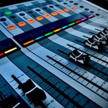 """Produção Música """"Night Drive"""" - Disponível em todas as Plataformas Digitais. Um projeto de Música e Áudio e Produção musical de Ana Mattioni - 31.07.2021"""