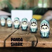 PandaShark in collaboration with Jesse Lonergan. Un projet de Character Design, Sculpture, Conception de jouets , et Art to de Matthew Lowry - 29.05.2021