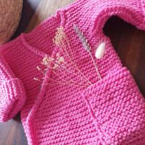 Mein Kursprojekt: Kinderkleidung stricken. A Fashion, Fashion Design, Fiber Arts, DIY, and Crochet project by Christine Rausch - 08.30.2021