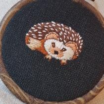 Meu projeto do curso: Bordado em miniatura: crie joias têxteis. Um projeto de Design de joias, Bordado e Ilustração têxtil de lilia - 12.09.2021